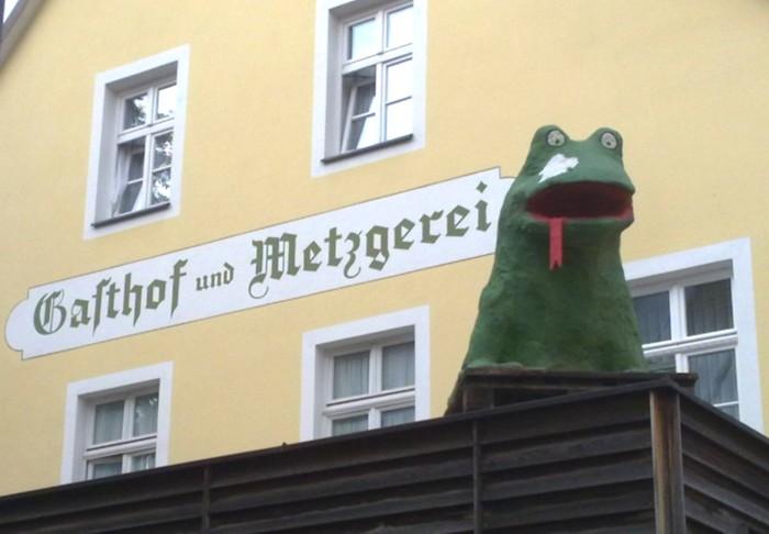 Büchenbach Froschfigur