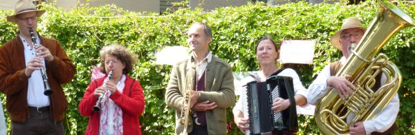 Die Fränkischen Straßenmusikanten in Lichtenhof